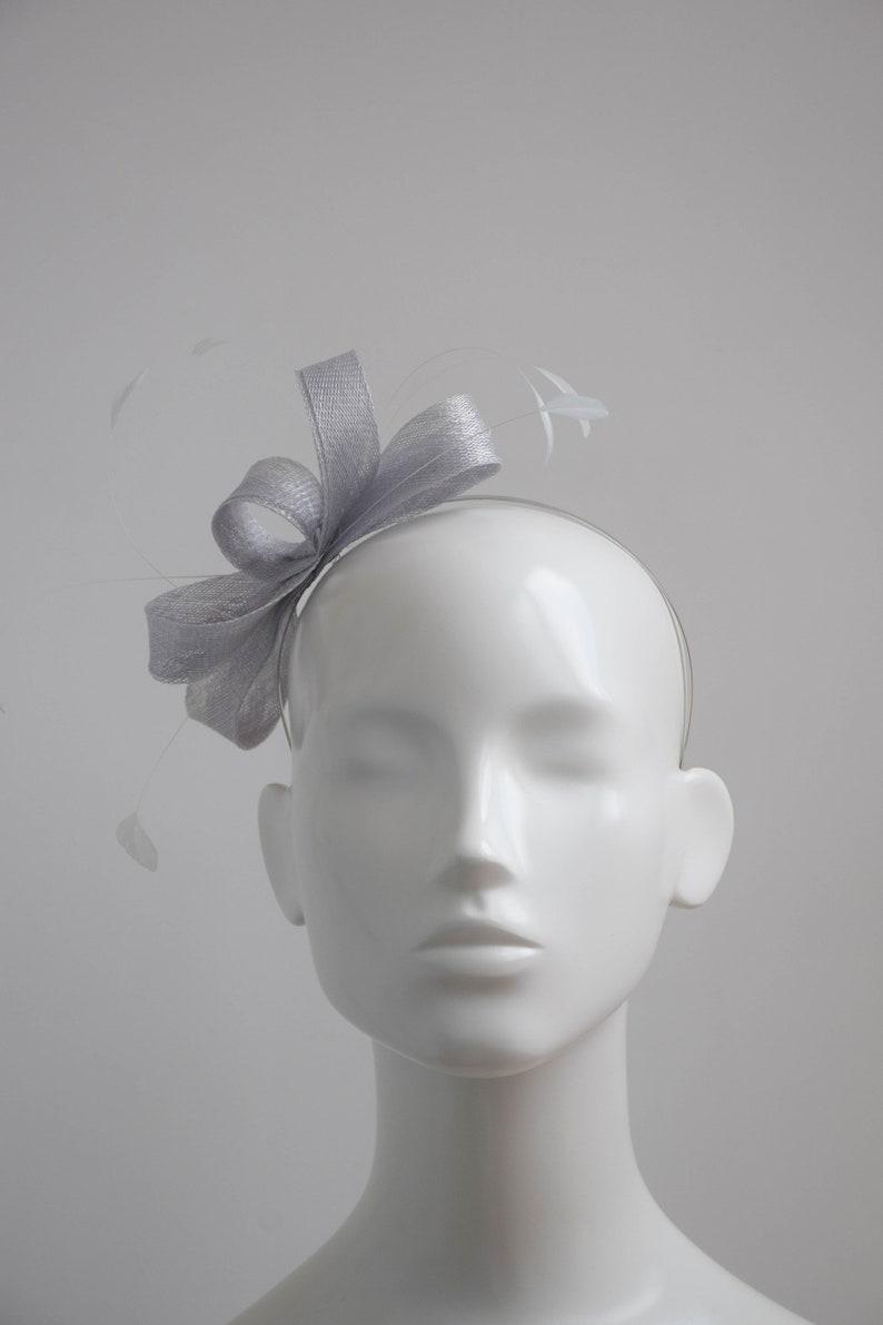 Pale gray Fascinator Simple Modern Fascinator Silver Grey Fascinator Wedding Headpiece Grey Headpiece Pale Silver Grey Fascinator
