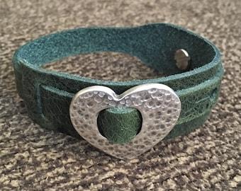 Boho Bracelet, Adjustable Button Snap Green Leather Wrap Bracelet with Hammered Silver Heart Slider Charms, Hippie Bracelet, 50012
