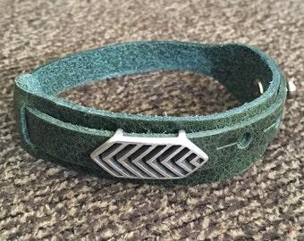Boho Bracelet, Adjustable Button Snap Green Leather Wrap Bracelet with Tribal Slider Bar, Hippie Bracelet, Tribal Bracelet, 50014