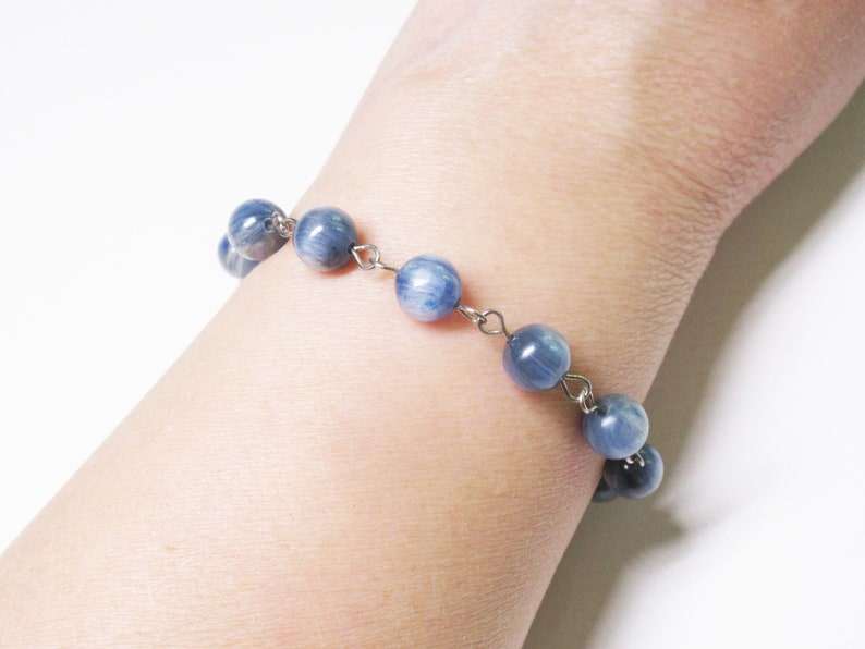 Blue Kyanite Bracelet Minimalist Bracelet Romantic Bracelet Delicate Bracelet Healing Crystal Vintage Bracelet 8mm Blue Kyanite Mothers Gift