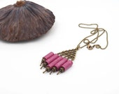 "Necklace ""organ"" pink cochineal paper cloth and brass beads"