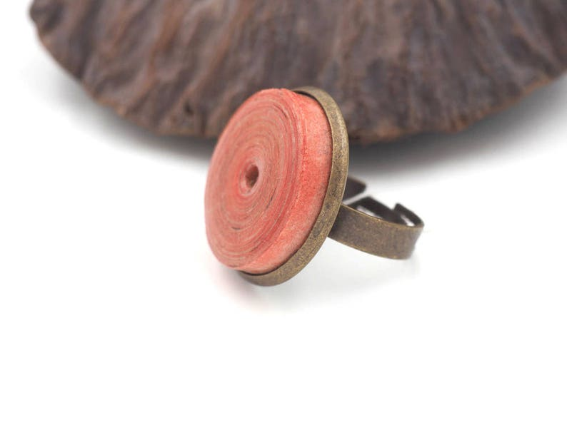 Adjustable ring 33 in pearl of handmade paper red image 0