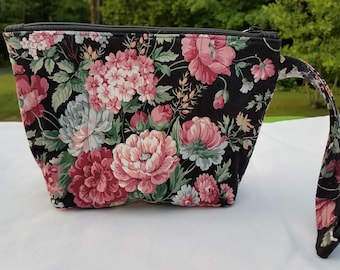 Carnations Quilted Wristlet