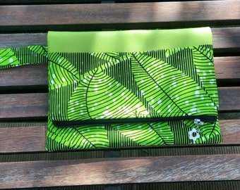 "Evening clutch colorful ""Granada"". Faux leather and wax. Green Jungle"