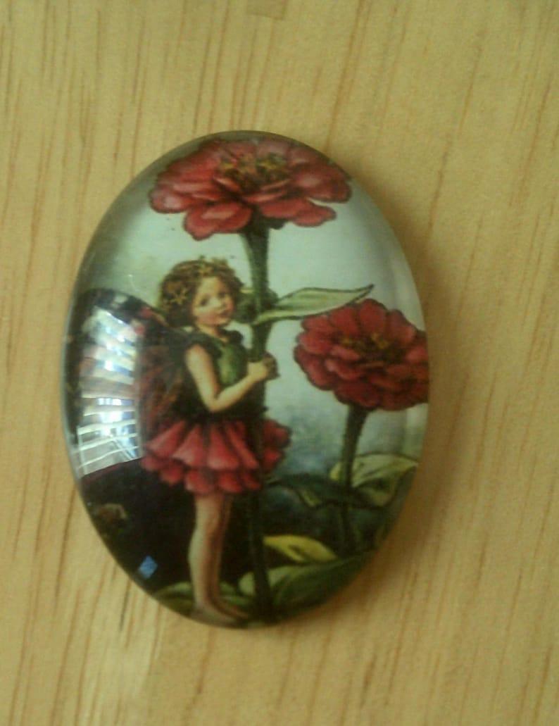 Zinnia Flower Fairy Brooch glass on bronze alloy measures 30x40mm very pretty