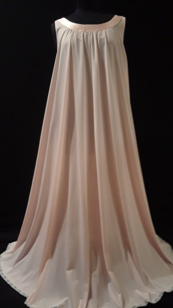 Lucie Ann Nightgown~ *GOLD LABEL* ~Peachy Pink ~M… - image 4