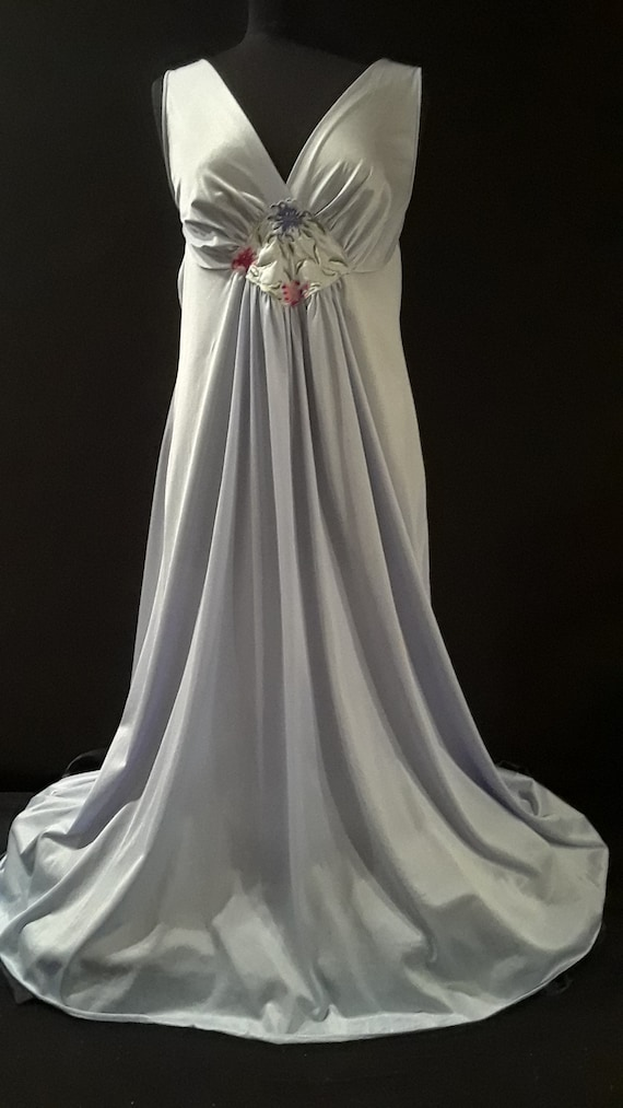 Vanity Fair Nightgown XXL ~Periwinkle Beauty~