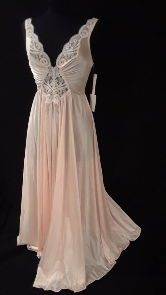 Olga Nightgown*~NWT~*Pastel Peach Beauty~ Large