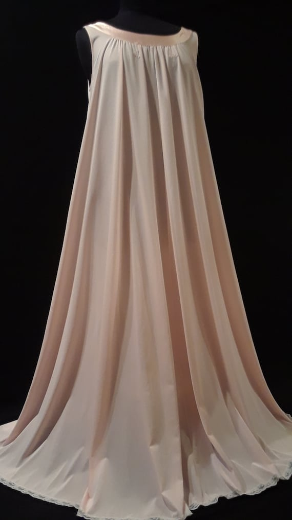 Lucie Ann Nightgown~ *GOLD LABEL* ~Peachy Pink ~M… - image 2