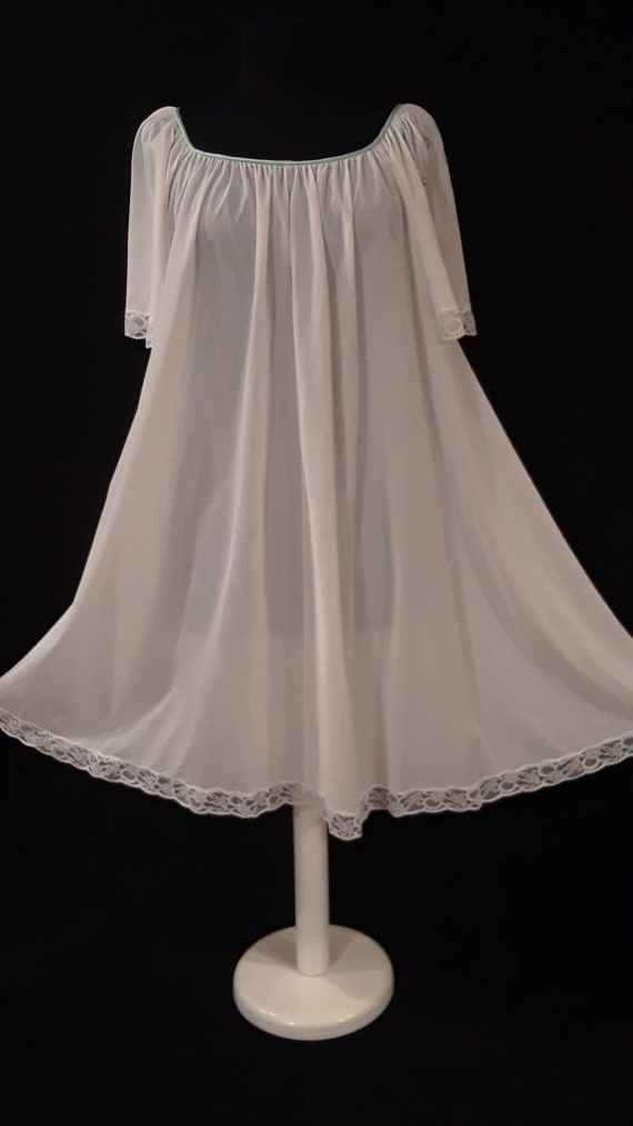 Lucie Ann Nightgown~*Delicate ~ Discreet ~ Sweet*~
