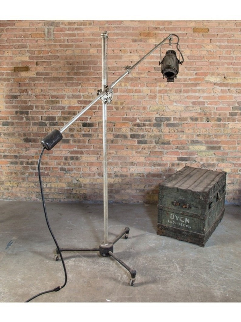 Mole-Richardson Mobile Studio Set Lamp or Spotlight with Tripod Base +  Bassick Casters