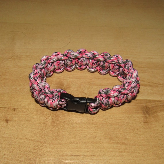 Survival Wristband, Pink Camo Paracord bracelet, 550 lb Paracord, with small clip for fashion and comfort.