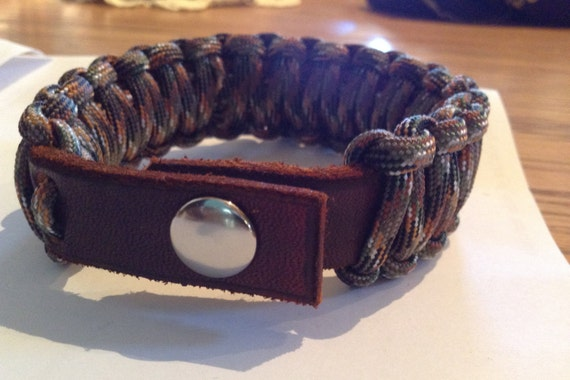Survival Wristband, Leather, Paracord bracelet, 550 lb Paracord, premium Leather with Snap for fashion and comfort.