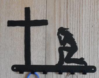 cowgirl praying to cross 6 hook leash key holder [4500113]