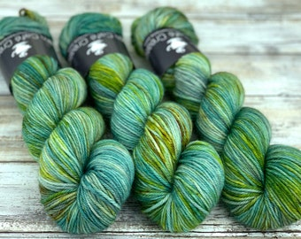 Worsted Weight | Ballybog | Hand Dyed Yarn | Superwash wool