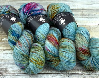 Worsted Weight | Blooming | Hand Dyed Yarn | Superwash wool