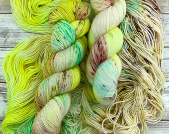 Lyra | Hand Dyed Yarn | Merino Wool Blend