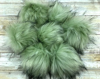 Magic Moss | Pom Pom | Snap on Pom Pom | Faux Fur Pompom
