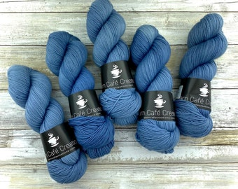 Fingering Weight | Gentleman | Hand Dyed Yarn | Non-Superwash Merino Wool