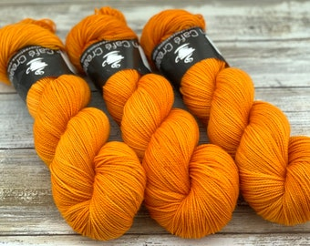 2-ply Fingering Weight | Pumpkin Juice | Hand Dyed Yarn | Superwash Merino Wool