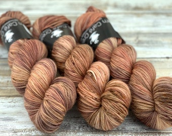 Worsted Weight | Plateau | Hand Dyed Yarn | Superwash wool