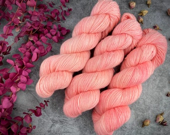Merino/Linen Blend SW Fingering Weight | Grapefruit | Hand Dyed Yarn | Superwash wool