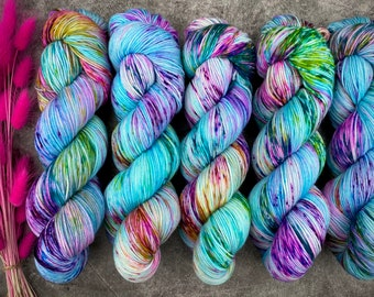Glacé Silver Stellina | Blueberry Muffin | Hand Dyed Yarn | Superwash wool | 4-ply