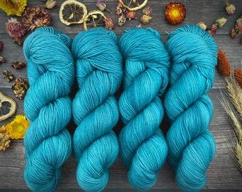 Polwarth Fingering Weight | SUCCULENT | Hand Dyed Yarn | Superwash Polwarth