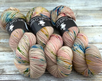 Worsted Weight | Peach Blossom | Hand Dyed Yarn | Superwash wool