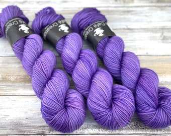 DK Weight | 100% SW Merino Wool | Sugared Butterfly Wings | Hand Dyed Yarn | Superwash wool