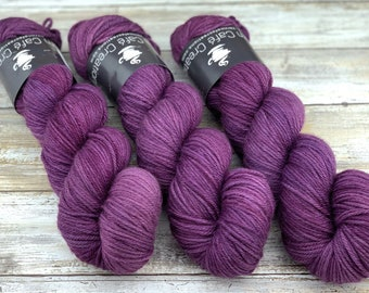 Worsted Weight | Blackberry | Hand Dyed Yarn | Superwash wool