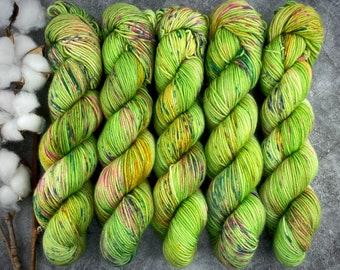 Chai DK Weight   75/25% SW Merino Wool/Nylon   Toadstool   Hand Dyed Yarn   Superwash wool