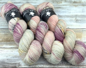 Silver Stellina | Mawas | Hand Dyed Yarn | Superwash wool