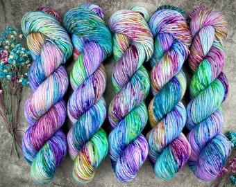 Hand dyed gradient yarn double knit weight yarn 50g x 4 blue purple yarn set sparkle dk yarn fine merinosilksparkle DK 200g yarn set