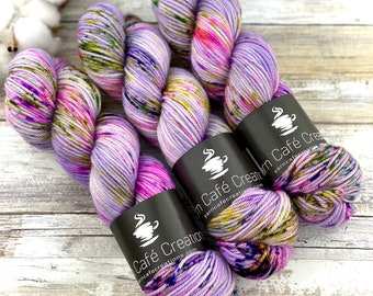Worsted Weight | Huckleberry Pie | Hand Dyed Yarn | Superwash wool