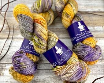 Polwarth Fingering Weight | Ghostface | Hand Dyed Yarn | Superwash Polwarth