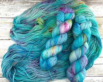 Billywig | Faery Potter: Magical Creatures Collection | Hand Dyed Yarn | Harry Potter
