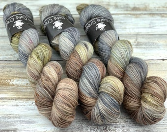 Silver Stellina | Tumbleweed | Hand Dyed Yarn | Superwash wool