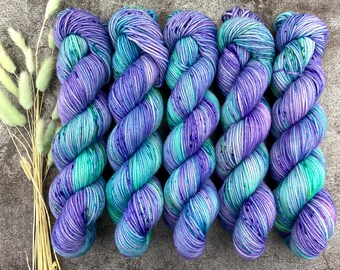 Polwarth Fingering Weight | Twitchy Tail | Pinkie Pie Collection | Hand Dyed Yarn | Superwash Polwarth
