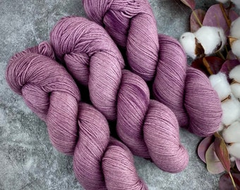 Fingering Weight | Fig | Non-Superwash Merino Wool | Hand-Dyed Yarn