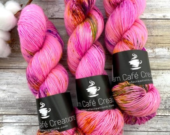 Merino/Linen Blend SW Fingering Weight | Strawberry Shortcake | Hand Dyed Yarn | Superwash wool