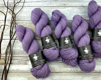 Fingering Weight | Sugqrplum | Hand Dyed Yarn | Non-Superwash Merino Wool