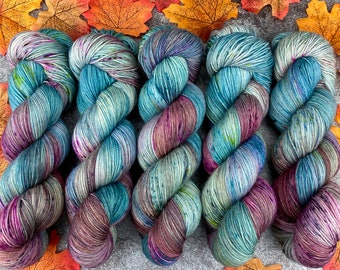 2-ply Fingering Weight   Minty Kiss Cocoa   Hand Dyed Yarn   Superwash Merino Wool