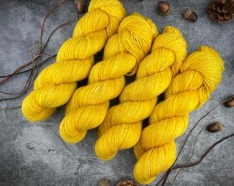 Merino/Linen Blend SW Fingering Weight | Gringott's Gold | Hand Dyed Yarn | Superwash wool