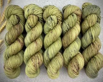 Veranda BFL DK Weight | 100% SW Blue-Faced Leicester Wool | Underbrush | Hand Dyed Yarn | Superwash wool