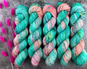 Worsted Weight   Sugarcube Corner   Hand Dyed Yarn   Superwash wool