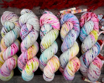 Mocha Worsted Weight   100% SW Merino Wool   Old Fashioned Hard Candy   Christmas Candy Collection   Hand Dyed Yarn   Superwash Wool