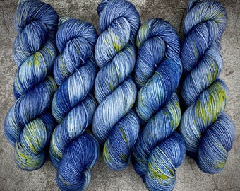Polwarth Fingering Weight   100% Superwash Polwarth Wool   Haunted House    Classic Halloween Collection   Hand Dyed Yarn