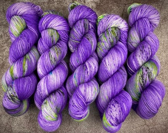Polwarth Fingering Weight   100% Superwash Polwarth Wool   Wicked    Classic Halloween Collection   Hand Dyed Yarn