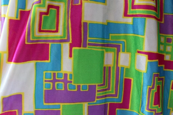Vintage 1960s 1970s Psychedelic Print Button Fron… - image 10